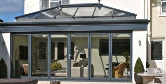 aluminium bi fold doors with a roof lantern
